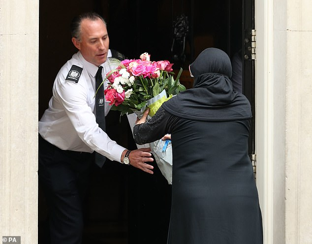 Flower Delivery By Pakistani High Commissioner to British PM Boris Johnson