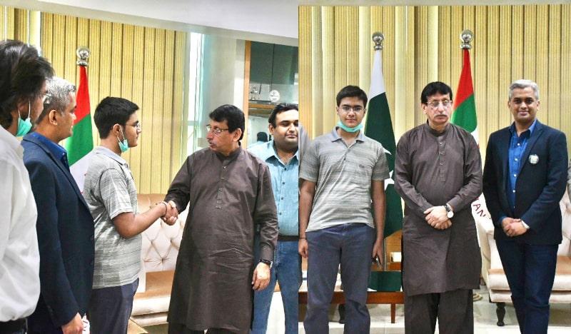 15-Year-Old Pakistani Nabeel Haider Develops Advanced Version of WhatsApp